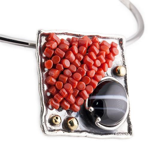 Ciondolo quadrato argento fiammato, corallo rosso e agata striata
