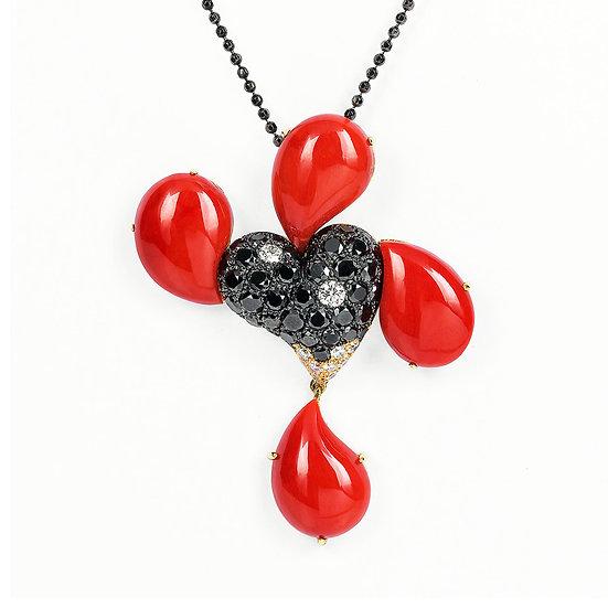 Ciondolo forma di cuore con gocce in corallo