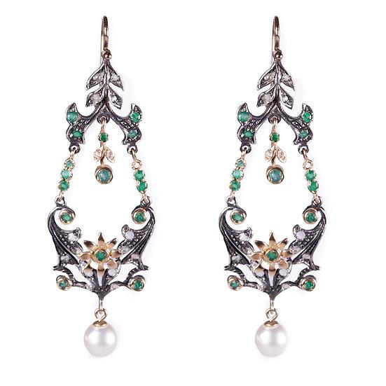Orecchini vintage con smeraldi e perle
