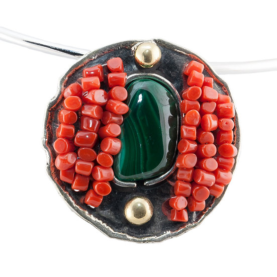 Ciondolo rotondo argento fiammato, corallo rosso e malachite