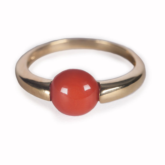 anello Esse circolare corallo rosso e oro