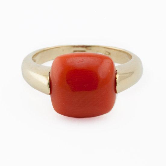 anello quadrato in corallo rosso e oro