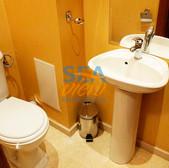 Bathroom 1 pic1.jpg