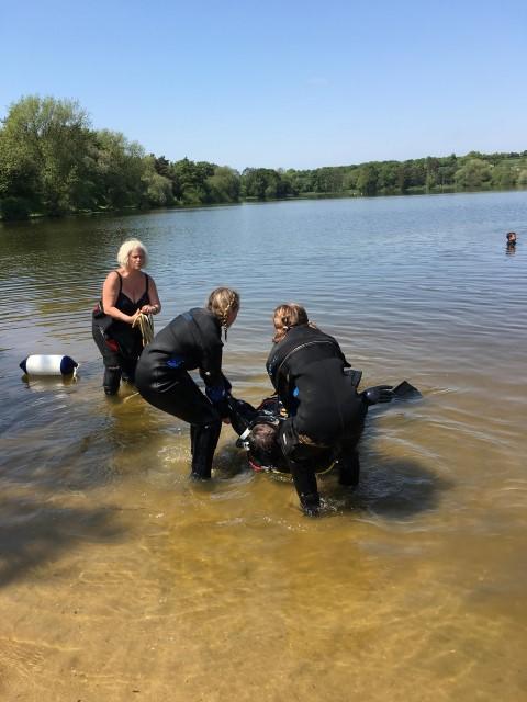 rescue 2 (Small)