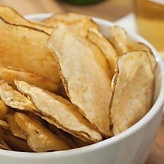 Domácí bramborové chipsy,