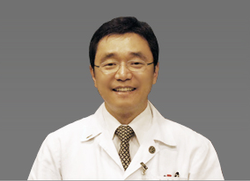 Dr. Kim Lead Surgeon Yeson Voice Center