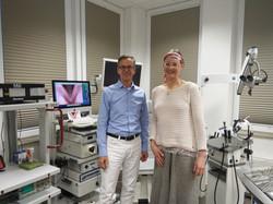 Dr. Hess (Deutshe Stimmklinik Hamburg) und Mona