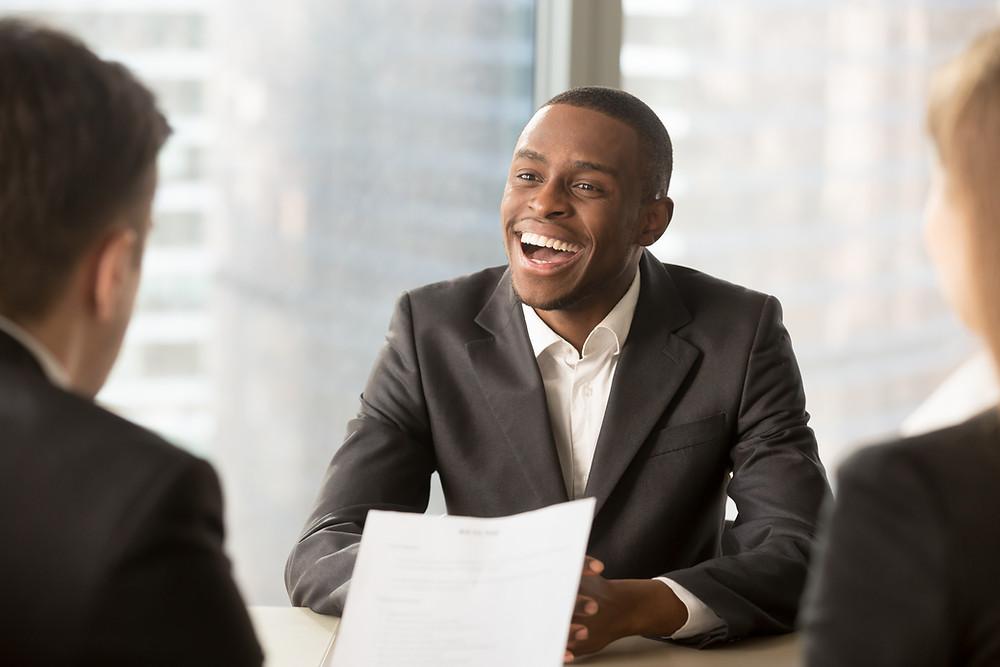 Candidato quer ir bem na entrevista de emprego