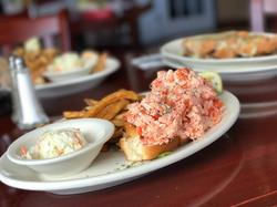 12 ocean lobster roll
