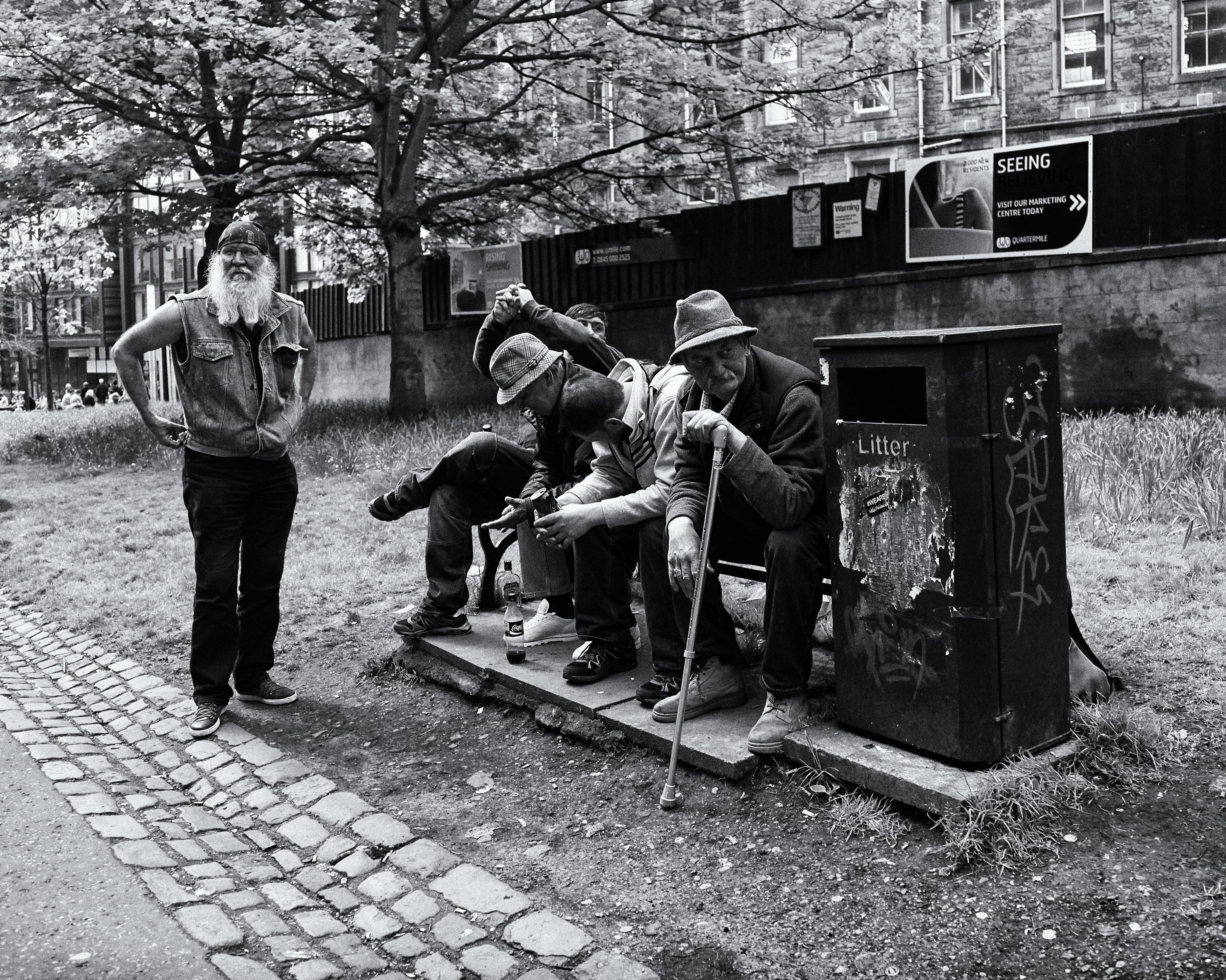 men_sitting.jpg