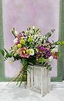 Con las mejores flores de valencia esta realizado este ramo, uno de los mejores que podra encontrar en internet. Lo enviamos a casa desde floristeria la alqueria en valencia
