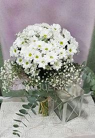 Ramo de margaritas blancas para regalar en la ciudad de valencia dispone de este ramo desde nuestra floristeria con envio a domicilio