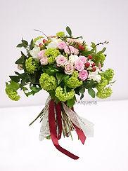 Explosion de colores con este ramo de flores elegantes