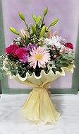 Ramo de flores con diversion de flores en varios colores. Floristeria en valencia la alqueria