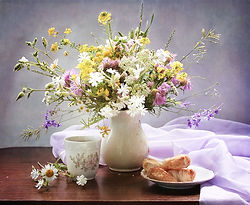 Sorprente con un regalo diferente. Desayunos a casa con flores. Envio a la ciudad de valencia