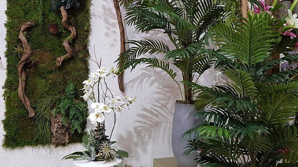 Siendo una de las mejores floristeria en decoraciones con flor artificial y seca la floristeria la alqueria dispone de creaciones unicas realizadas por ellos mismos para que sus clientes disfruten de lo mejor.