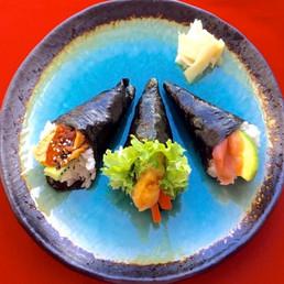 Temaki Sushi copy.jpg