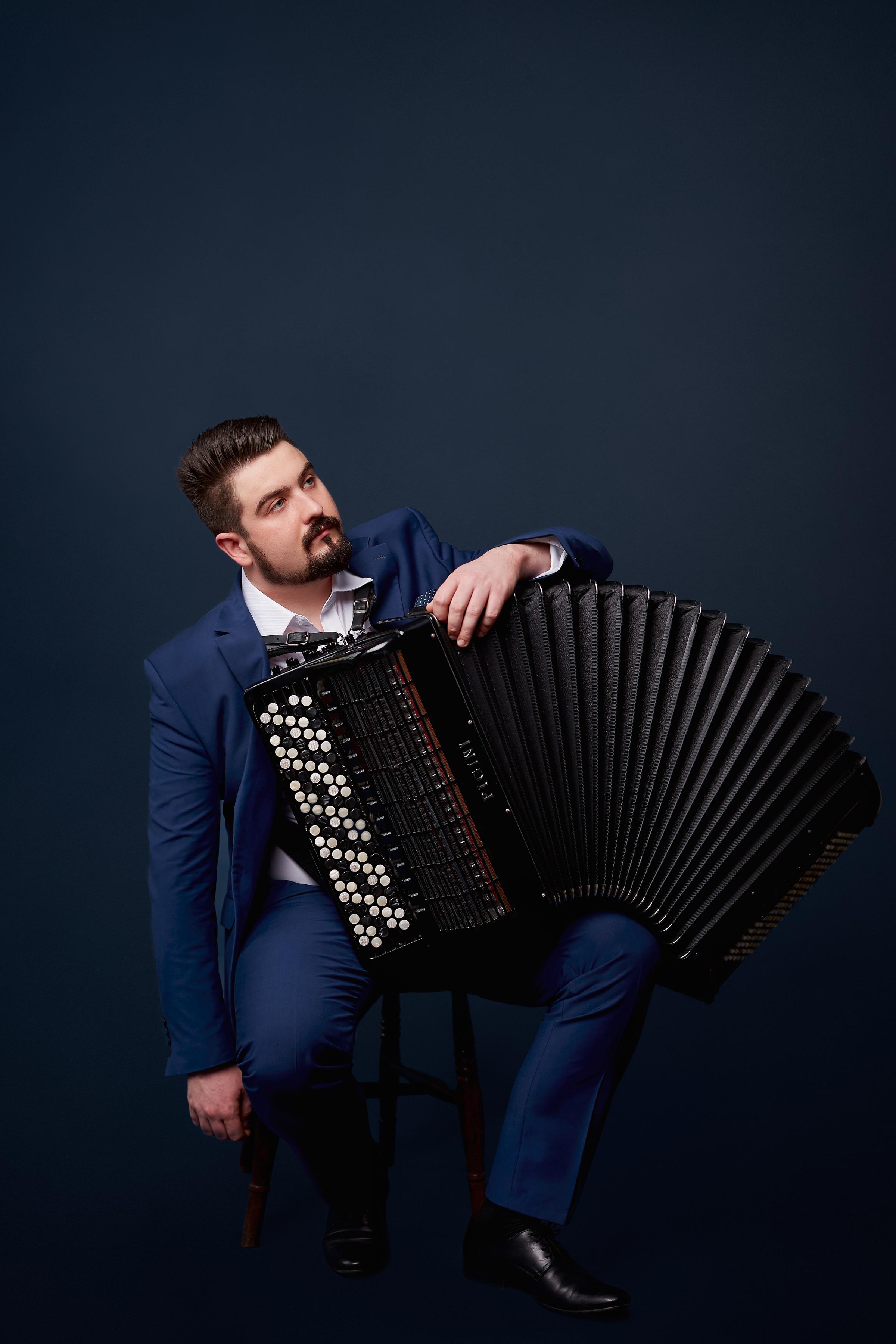 Bartosz Glowacki | accordionist | England