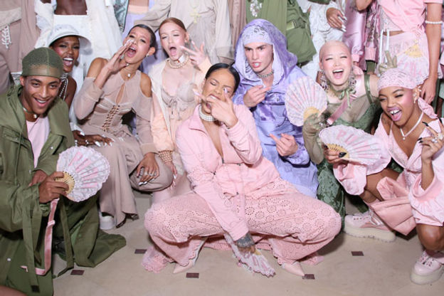 aca2103a38ad7 Rihanna e Puma: imagens da nova colaboração! | Sneaker Cult | SNKCULT