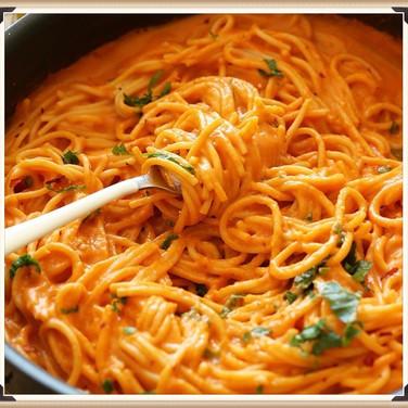 Creamy Red Pepper Sauce & Pasta