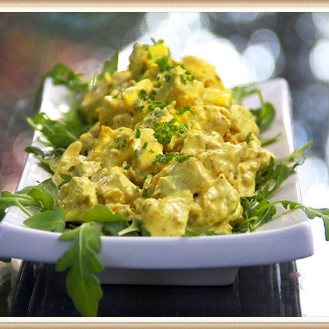 Coconut Curry Chickenless Salad