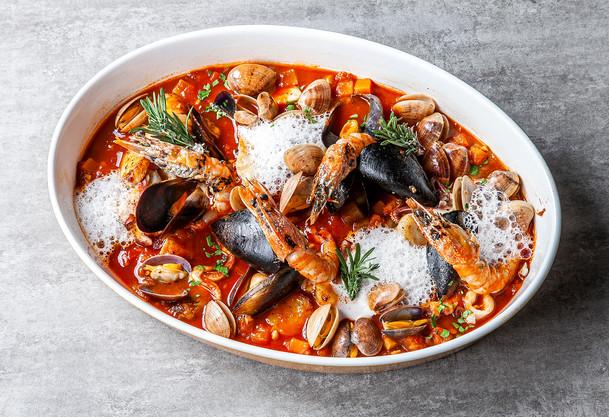 Pacific Seafood Bouillabaisse Platter