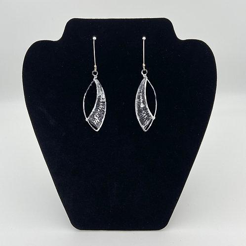 Leaf Earrings (Tight Weave)