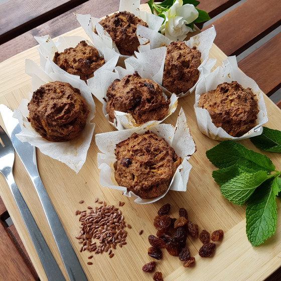 Breakfast Muffins with carrot and apple
