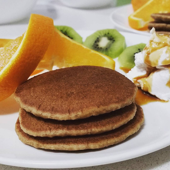 Pancakes, gluten, nut and refined sugar free