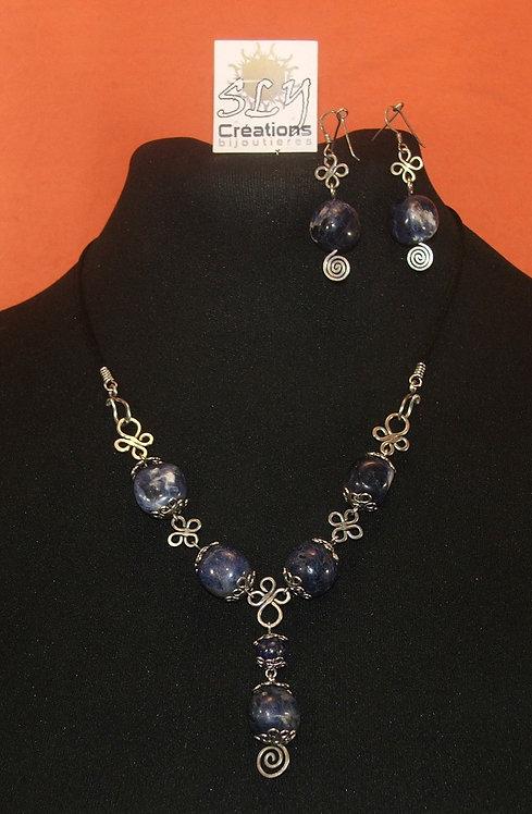 collier , sodalites serties arabesques