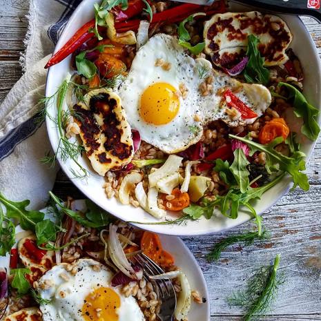Полба и жареные яйца