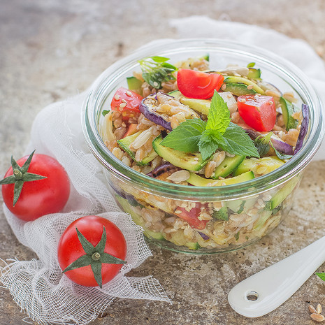 Cалат с летними овощами