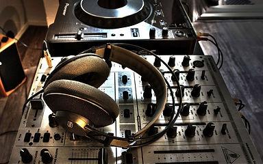 Диджей, звуковик, оборудование в аренду в Ульяновске