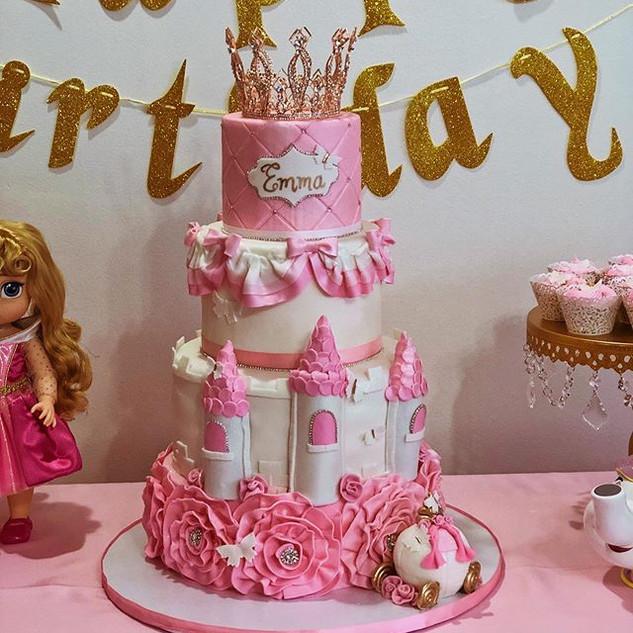 Happy 1st birthday princess Emma 💖_....
