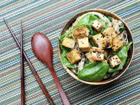 Black Pepper Udon with Spinach, Tofu & Enoki