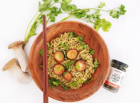 """Healthy Vegan Laksa Instant Noodles with Vegan """"Scallops"""""""