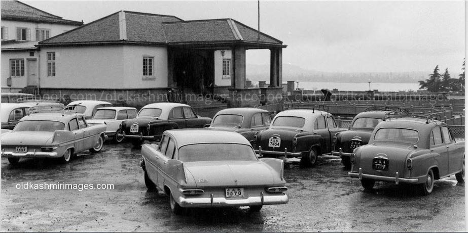 1960s Tourist taxis in Srinagar