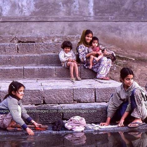 1982 Washing on river side, Kashmir