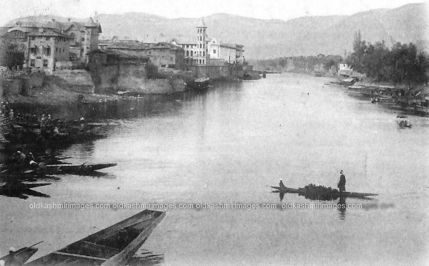 View from Amira Kadal, Kashmir.jpg