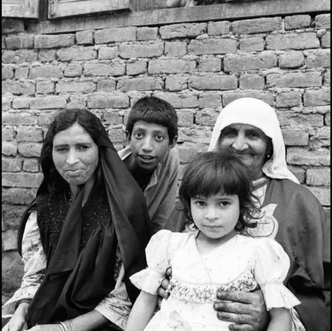 1986 A family A Grand Mother, Mother and