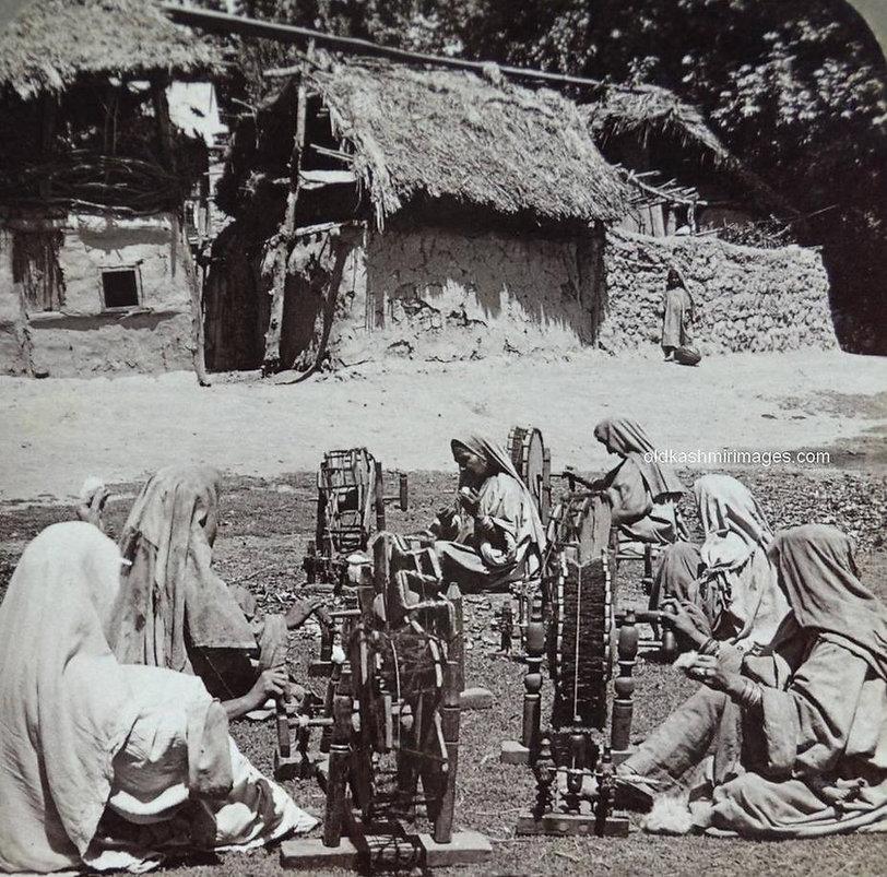 1903 Kashmiri Women.jpg