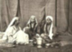 1864 Portrait of Kashmiri women.jpg