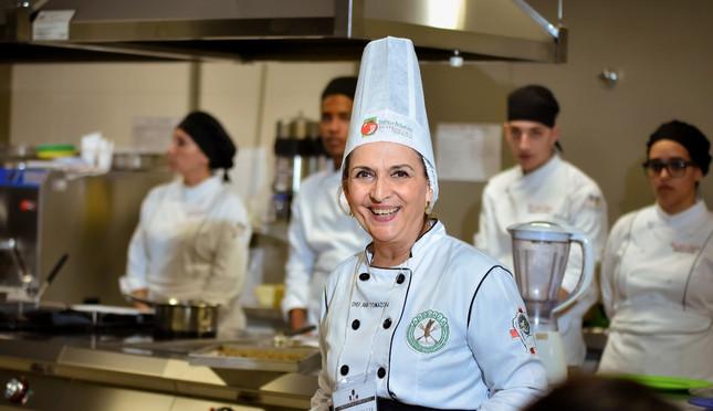 Alunos durante aula da Chef Ana Tomazoni