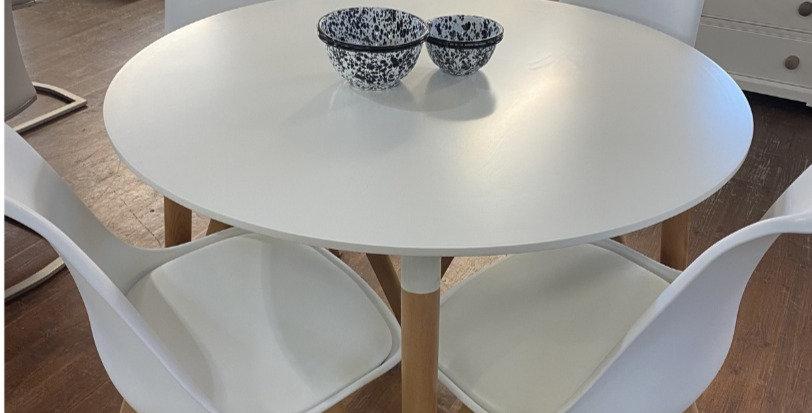Urban Table & 4x Chairs