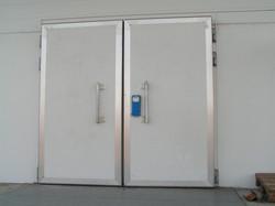 дверь двустворчатая распашная