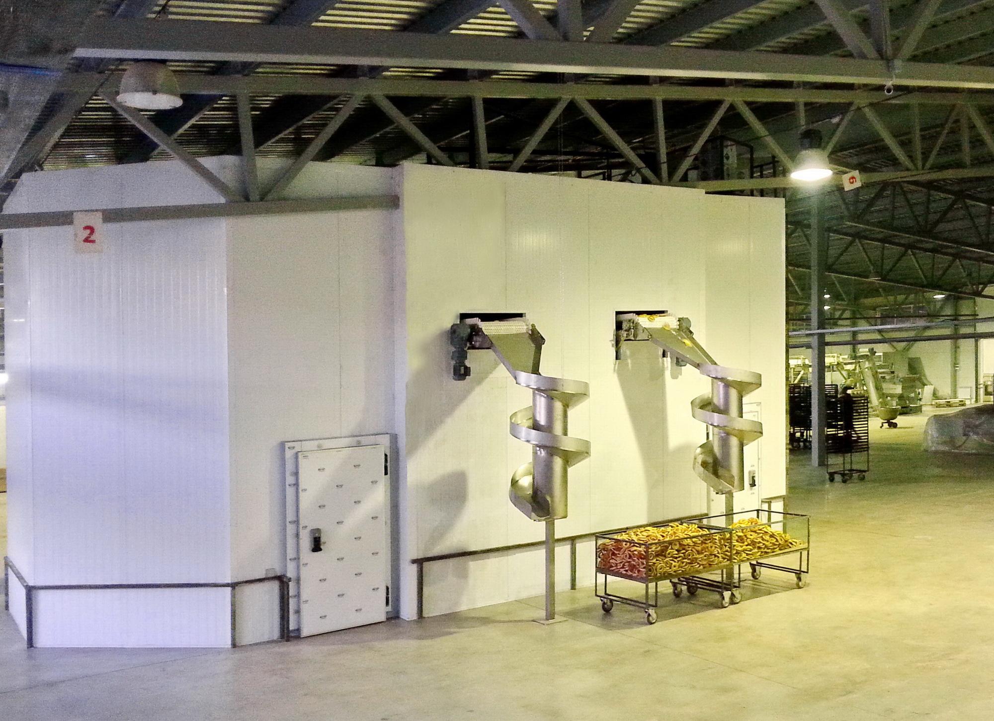 камера охлаждения вокруг конвейера