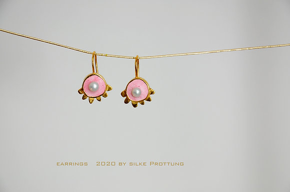 Rosa mit Perle