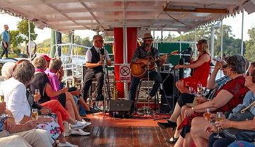 Milford-Sound-Scenic-Cruises-Milford-Sov