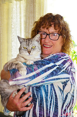 Viv Drinkwater & Sparkles the Cat your hosts at Hunter Valley Farmstay