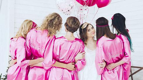 back-view-group-bridesmaids-bridetobe-be